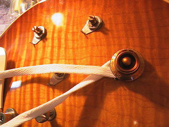 geetarz the peter green gary moore les paul mod swapping out the stock components and installing the new wiring harness is a snap for anyone basic ering iron skills one place where les pauls can
